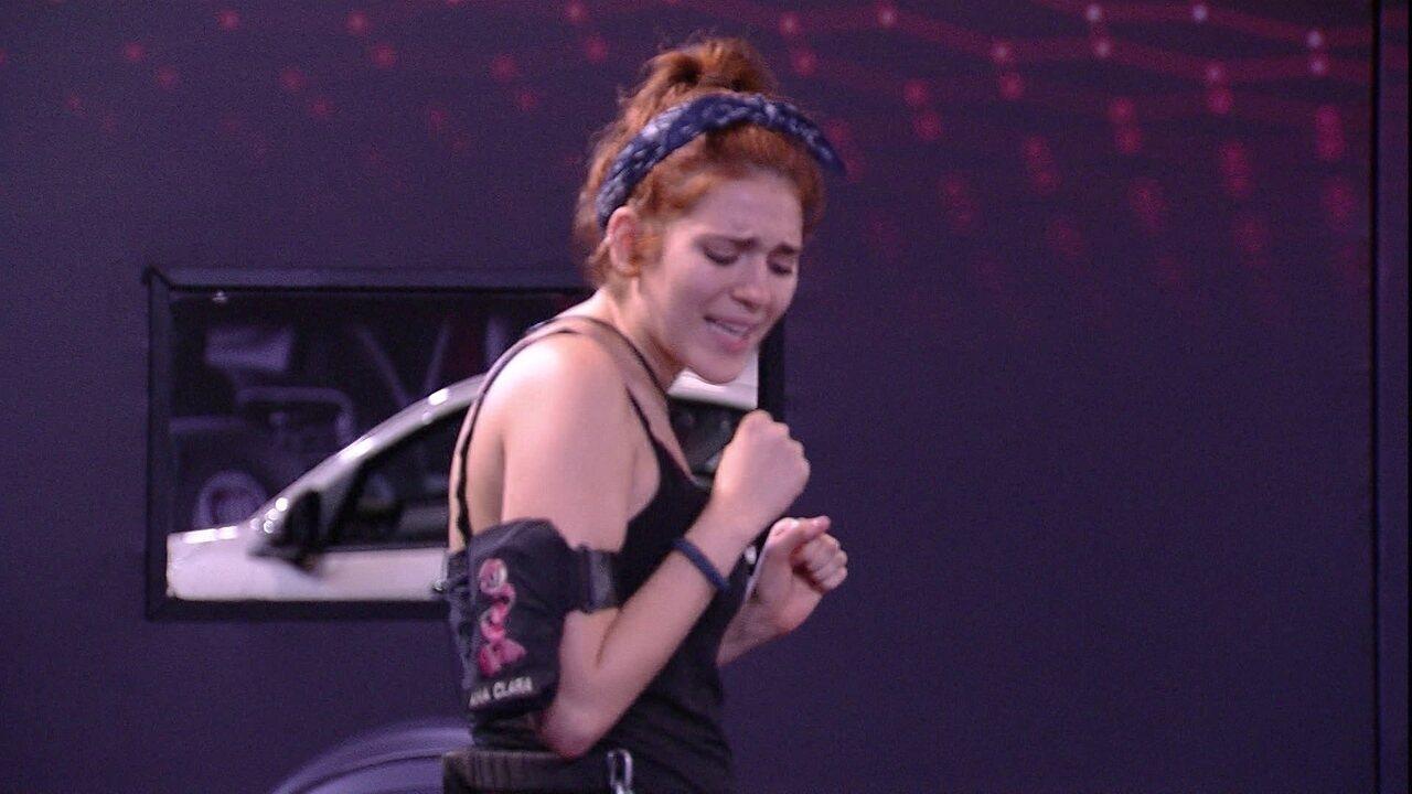 Ana Clara canta música de Queen e lembra de Ayrton: 'Está lá na casa arrasando'
