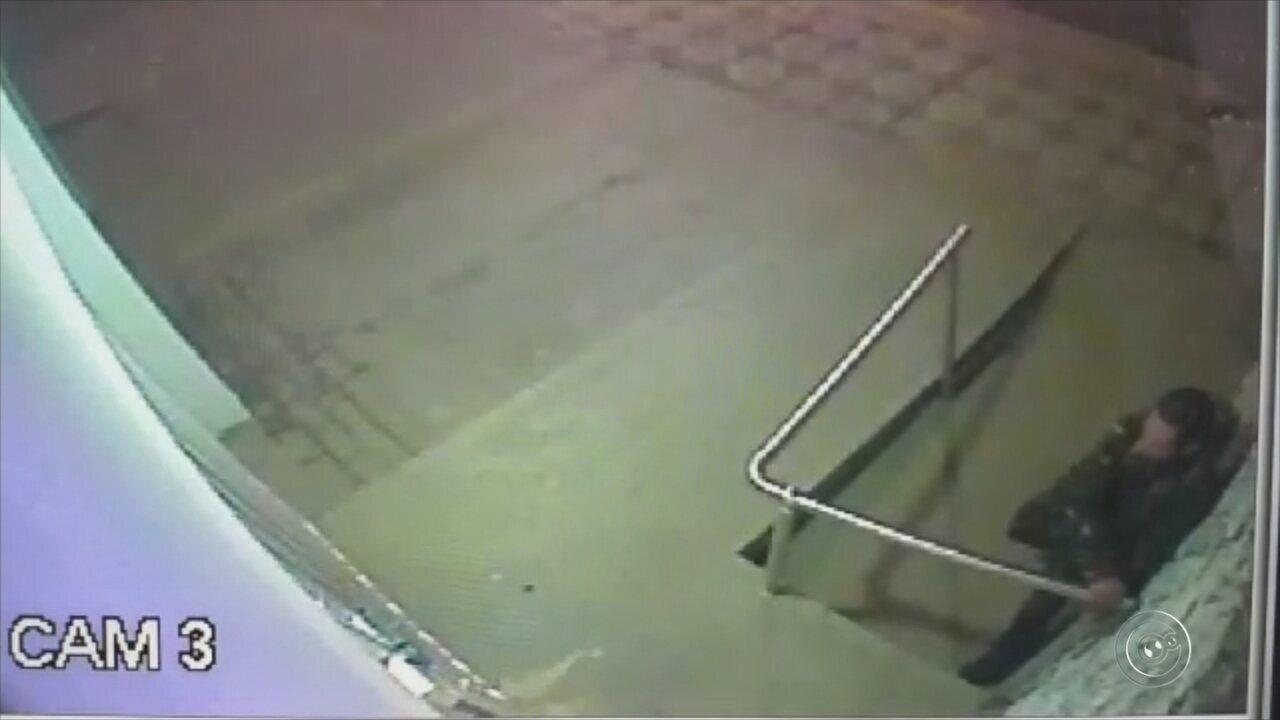 Câmeras de segurança flagram furto a clínica odontológica em Sorocaba