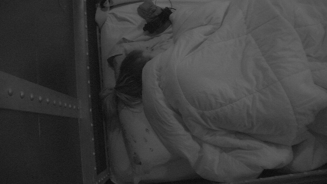 Gleici deita no Quarto Submarino após conversa com Ayrton
