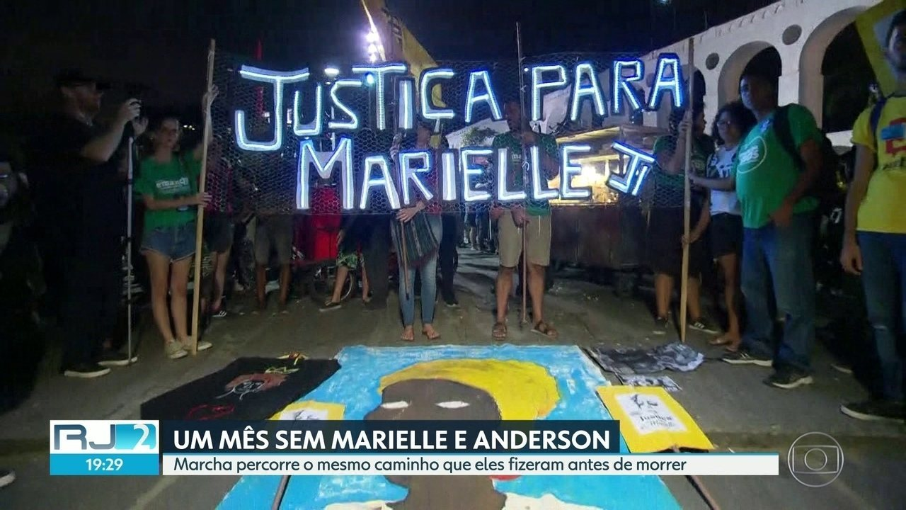 Cobrança pela punição dos assassinos de Marielle e de Anderson reúne centenas de pessoas