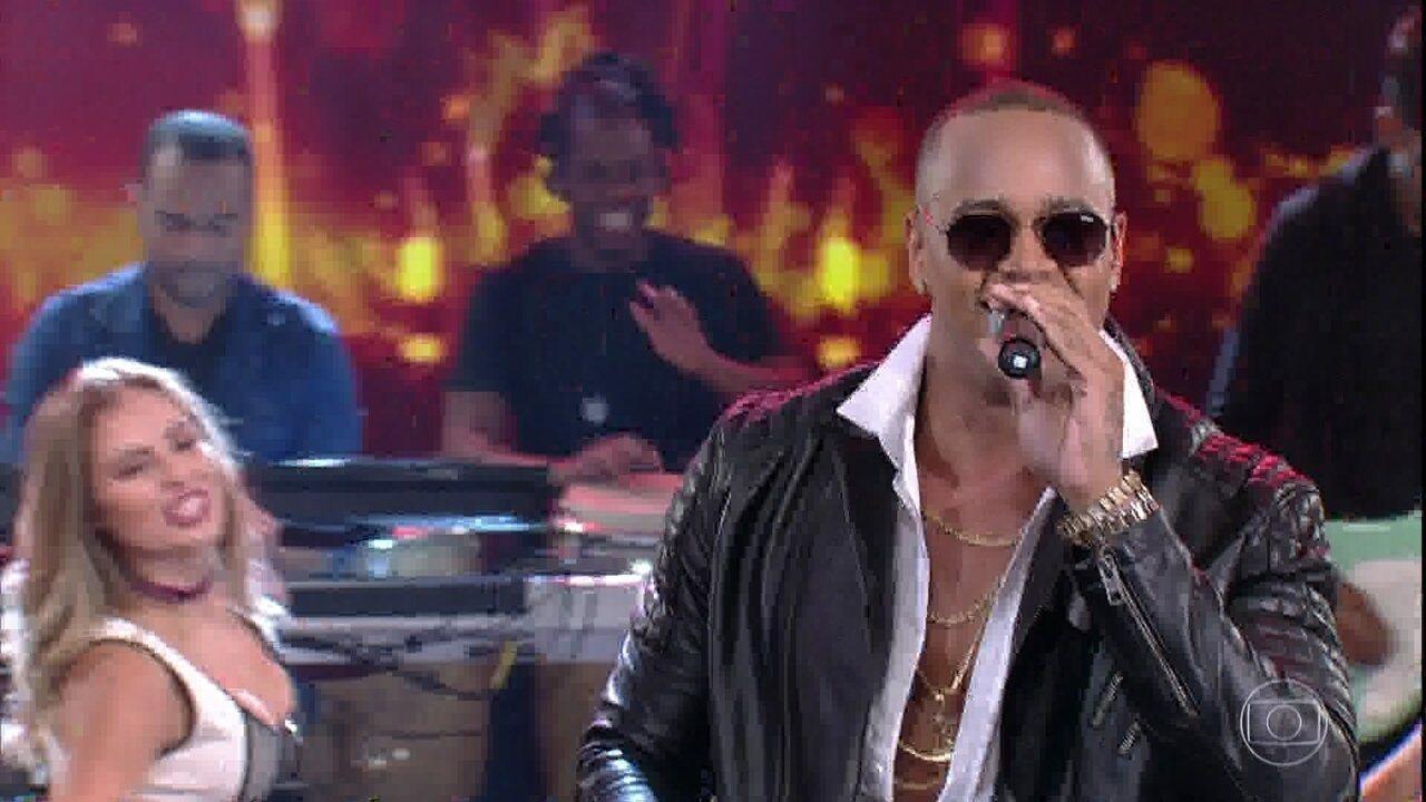 Léo Santana cantou também  'Várias Novinhas'
