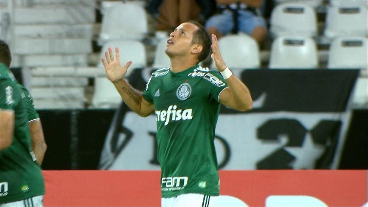 Gol do Palmeiras! Dudu deixa Guerra livre para marcar, aos oito minutos da etapa final
