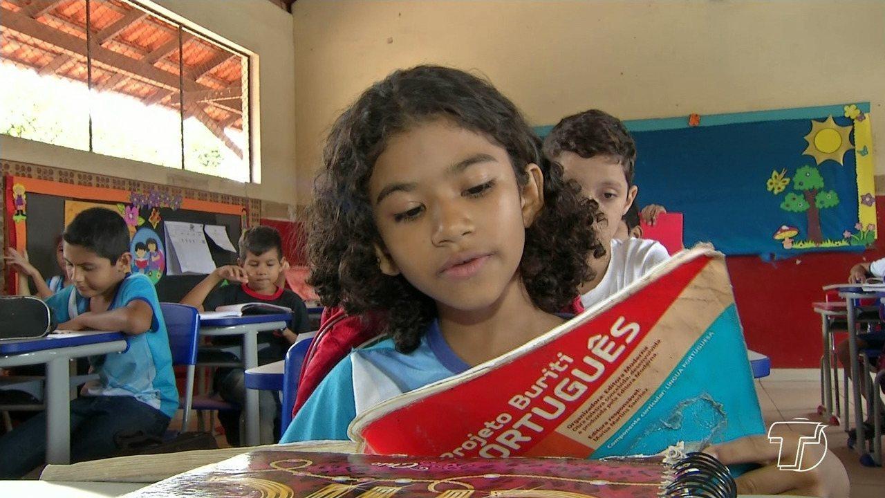 Santarém firma parceria e lança gestão de política de alfabetização na rede municipal