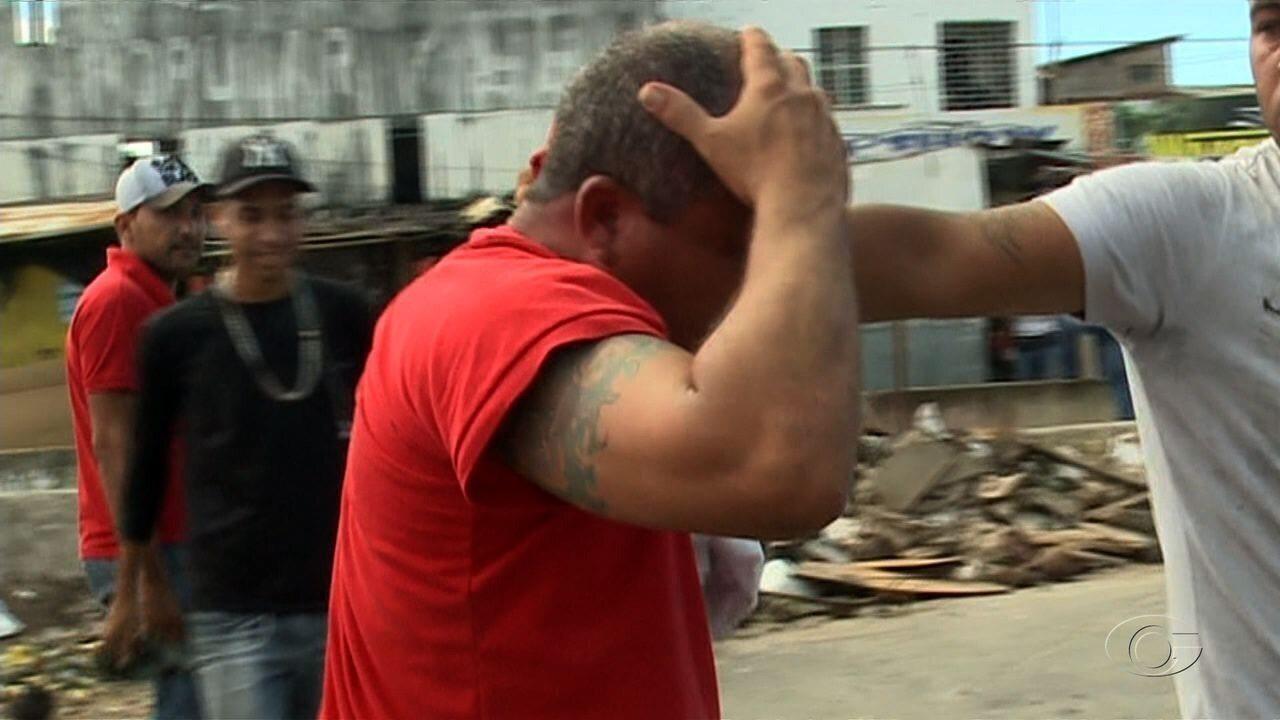Homem suspeito de assalto é detido e espancado por população em Maceió