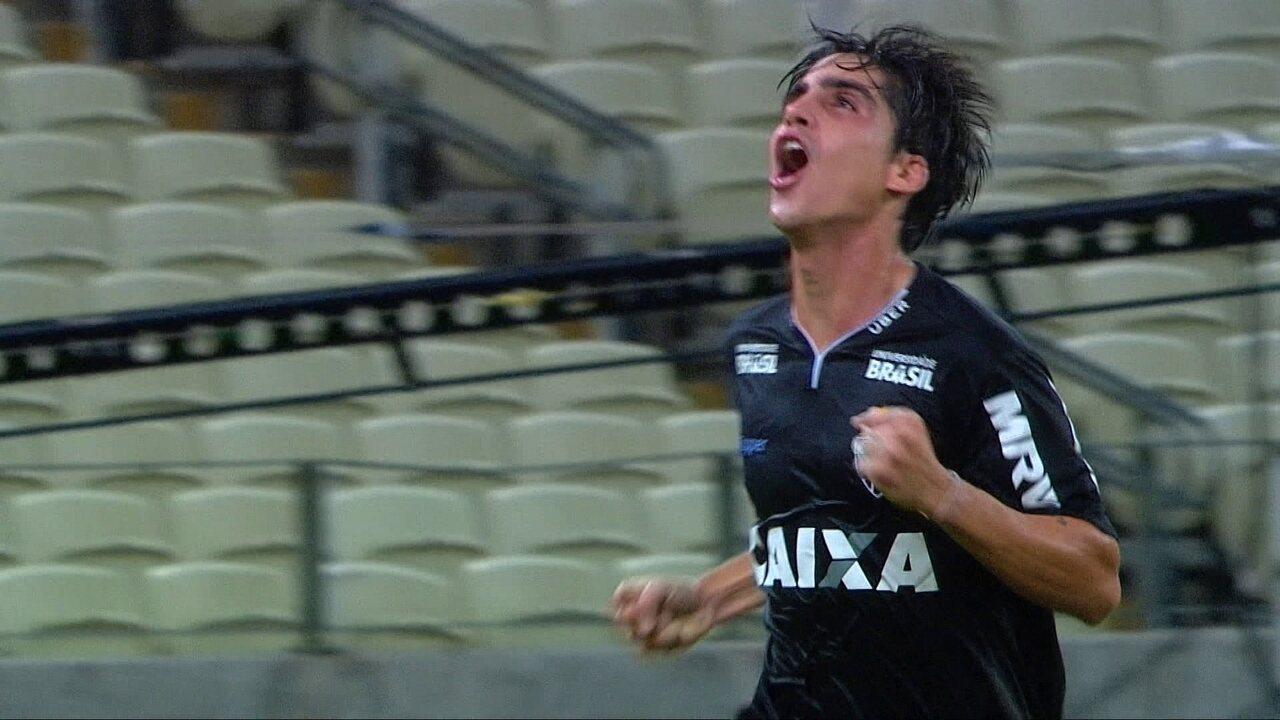 Gol do Atlético-MG! Gustavo Blanco aproveita passe de Alerrandro e marca, aos 28' do 2ºT