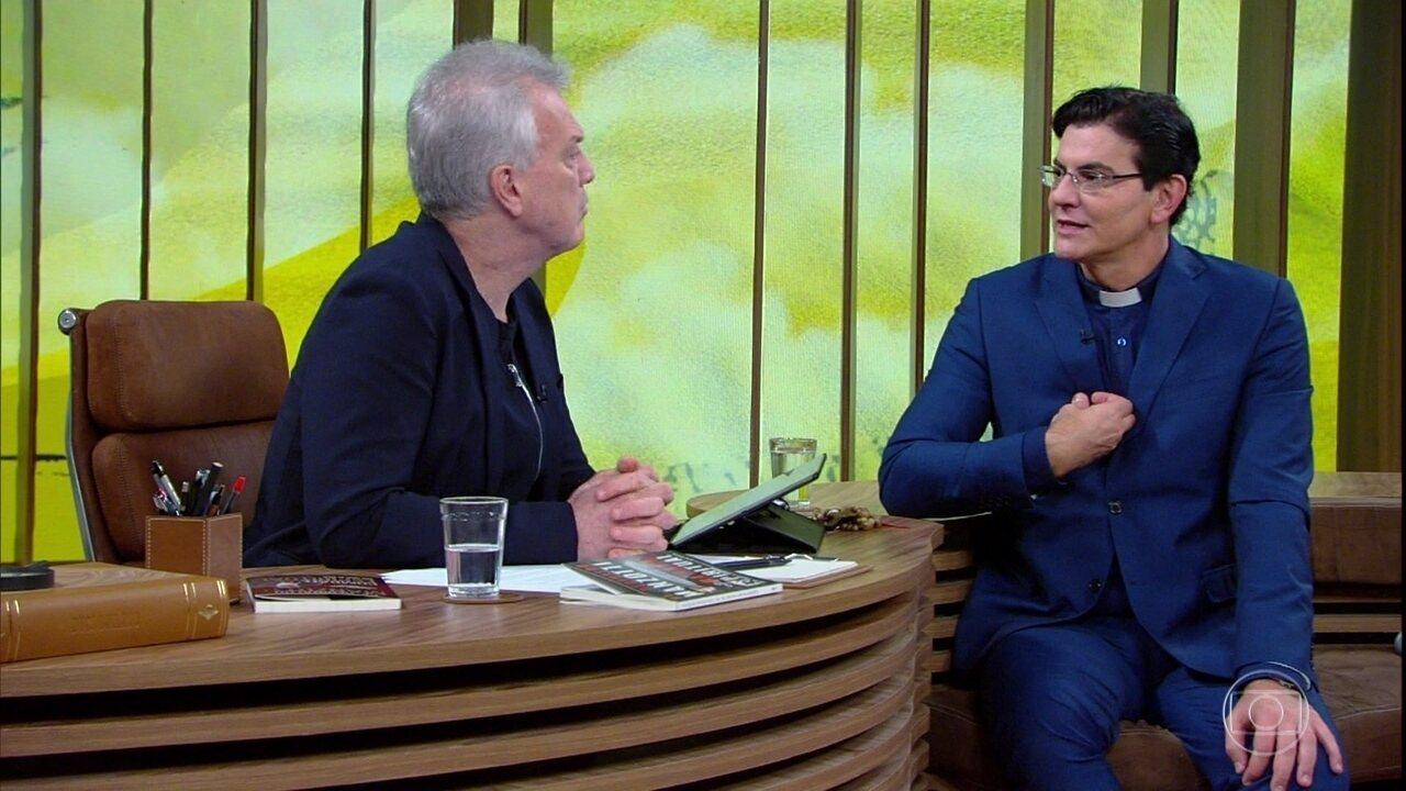 Padre Reginaldo Manzotti revela experiência com exorcismo