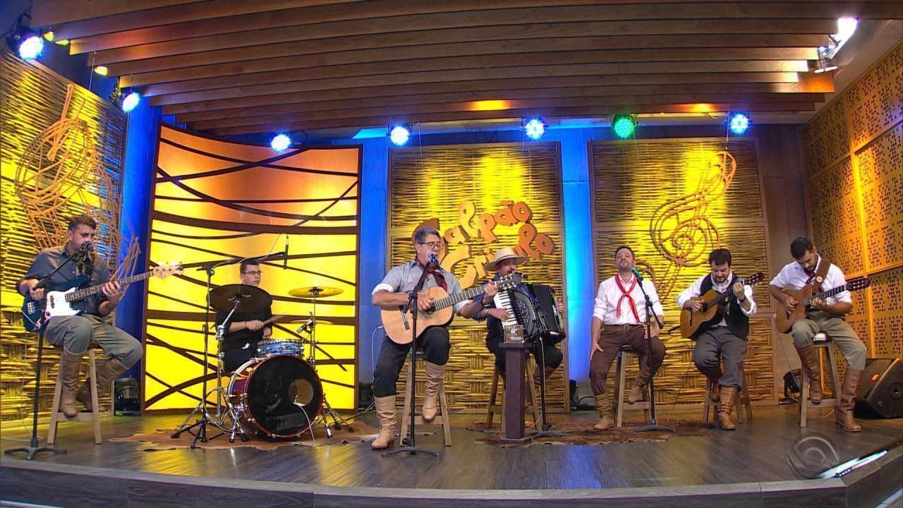 Oswaldir e Quinteto Nativo lançam CD 'Gaúcho em Qualquer Chão' e cantam música no 'Galpão'