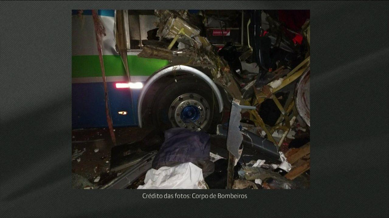 Grave acidente em Minas Gerais deixa sete mortos
