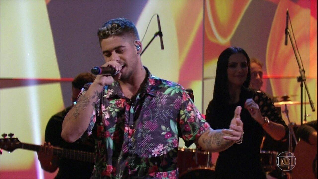 Zé Felipe canta 'Você Não Vale Nada'