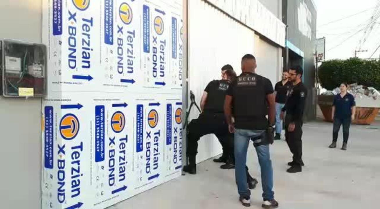 Policiais cumprem mandados na Operação Regressus