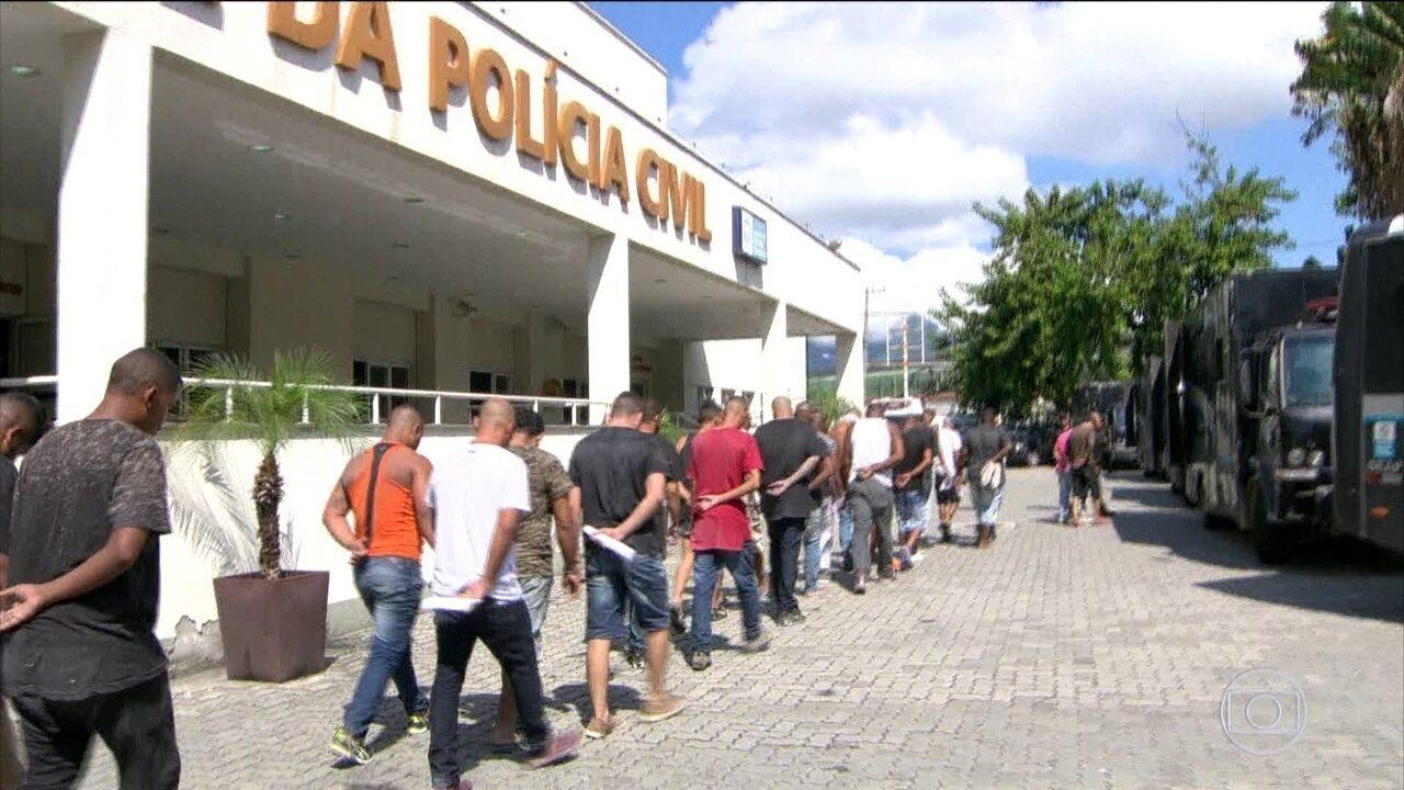 Justiça manda soltar 137 presos em ação contra milícias no Rio