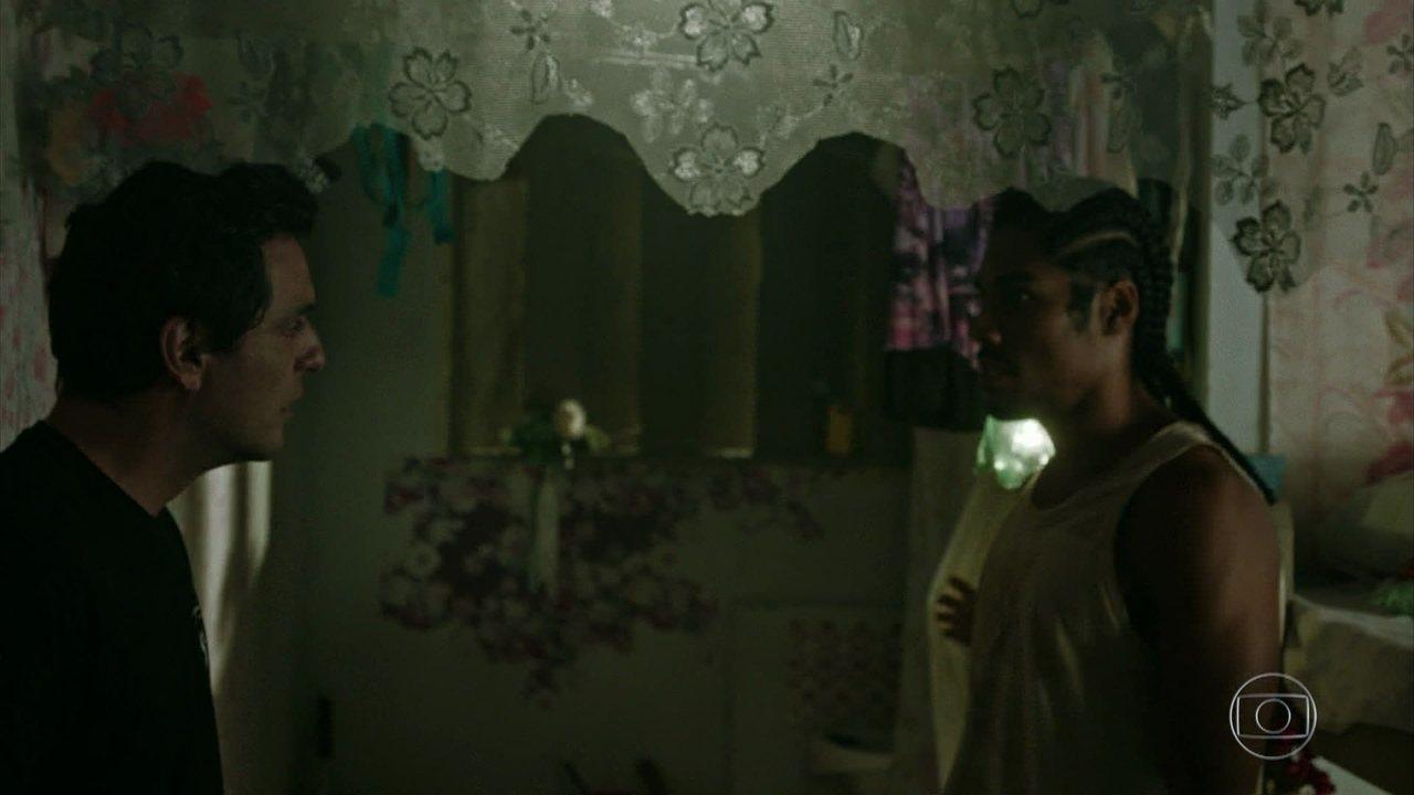 Adriano encontra Binho