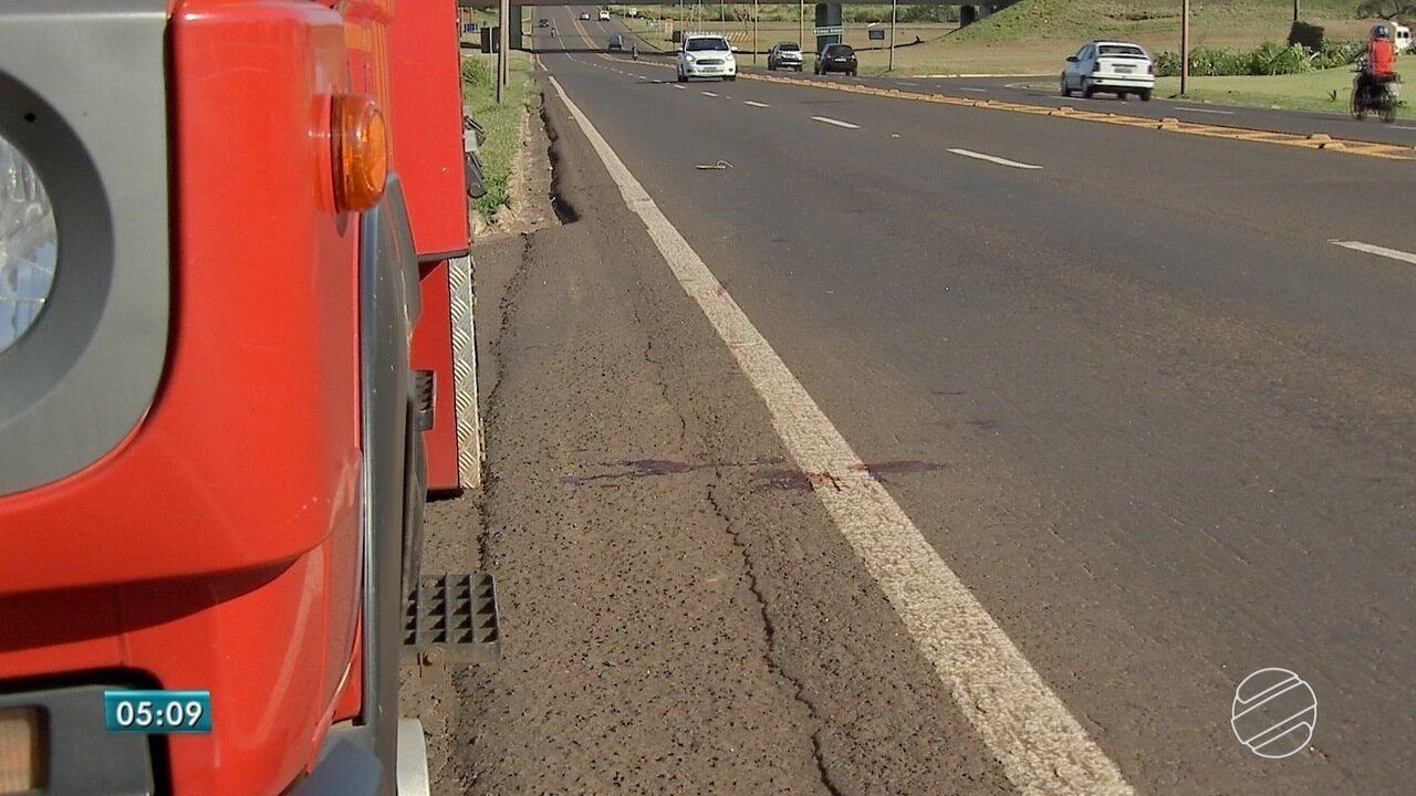 Homem é atropelado em rodovia de MS e motorista foge