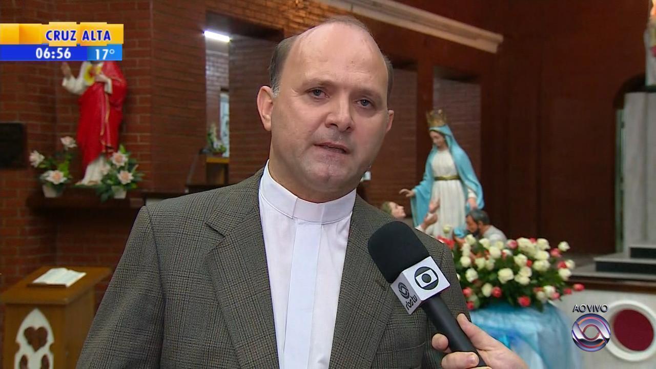 Dia é marcado por devoção a Nossa Senhora do Trabalho em Porto Alegre