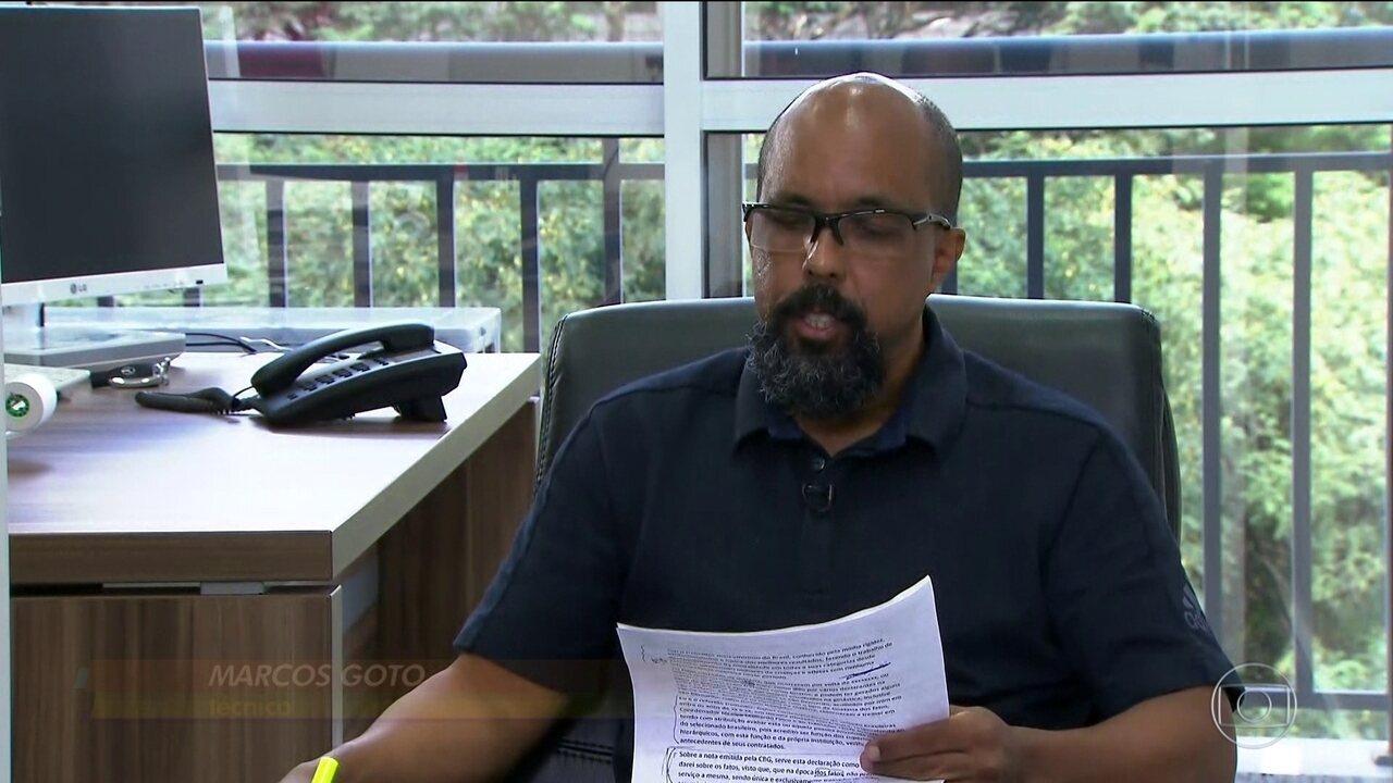 Marcos Goto lê comunicado onde se defende de acusação feita por atletas da ginástica