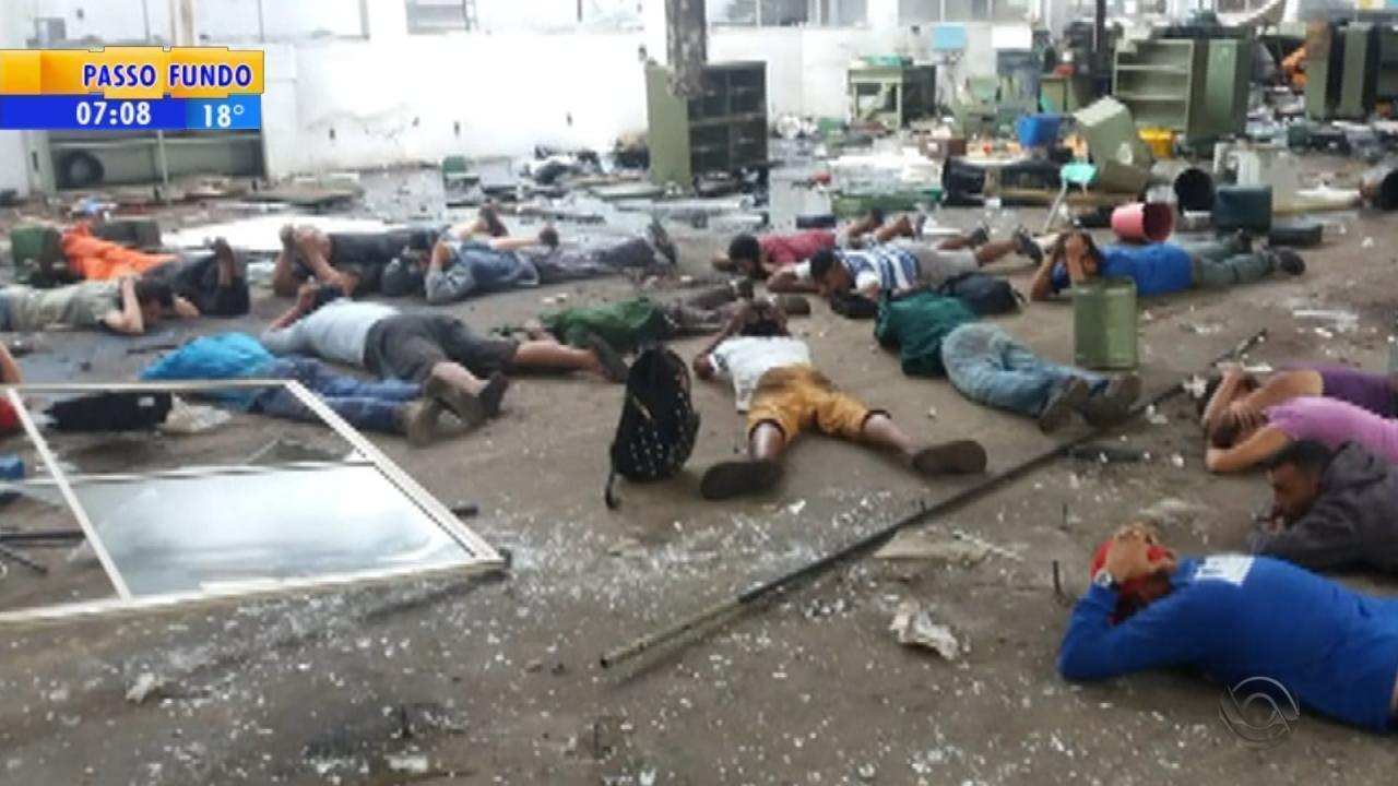 Furto em fábrica desativada termina com 16 presos em São Leopoldo