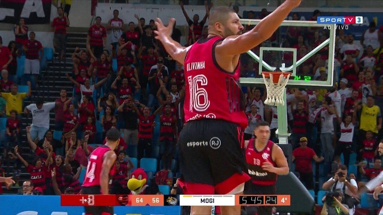 Melhores momentos: Flamengo 71 x 64 Mogi pela semifinal do NBB
