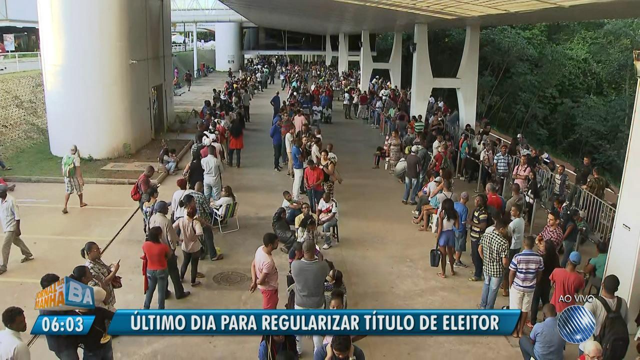 Último dia da biometria: eleitores encaram filas nos postos de Salvador