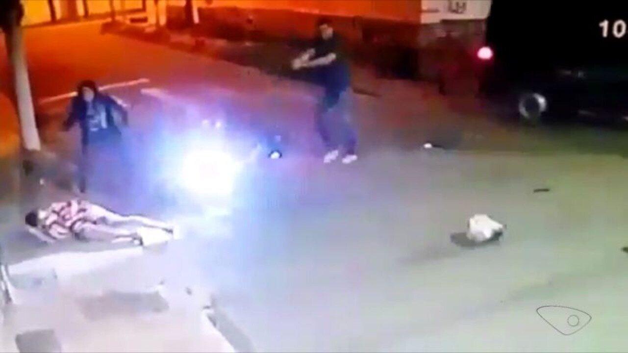 Policial militar reage a assalto, mata criminoso e deixa outro ferido, em Vitória
