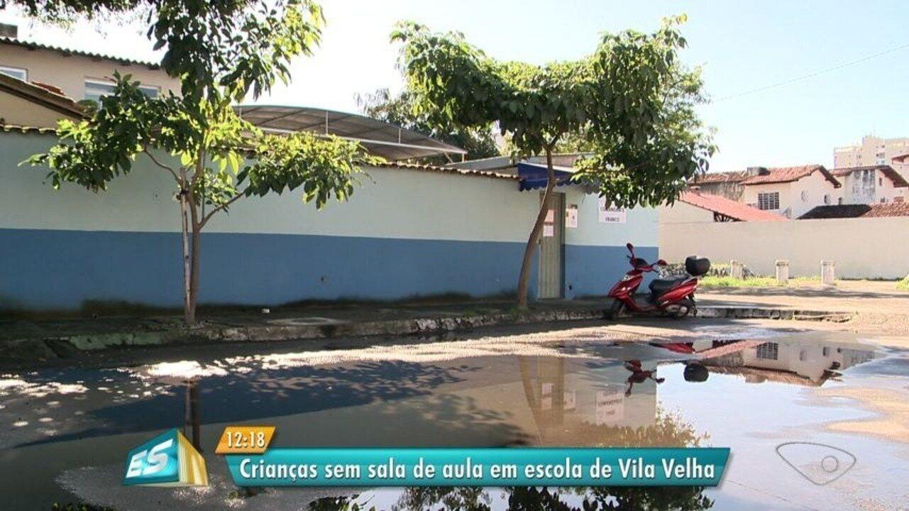 Crianças estudam em sala improvisada em Vila Velha, ES