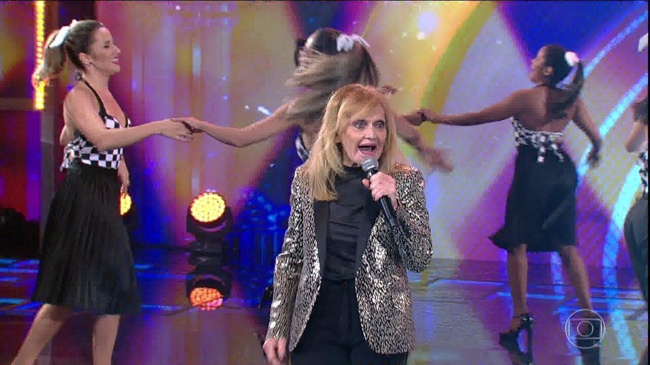 Rita Pavone canta 'Datemi um martello'