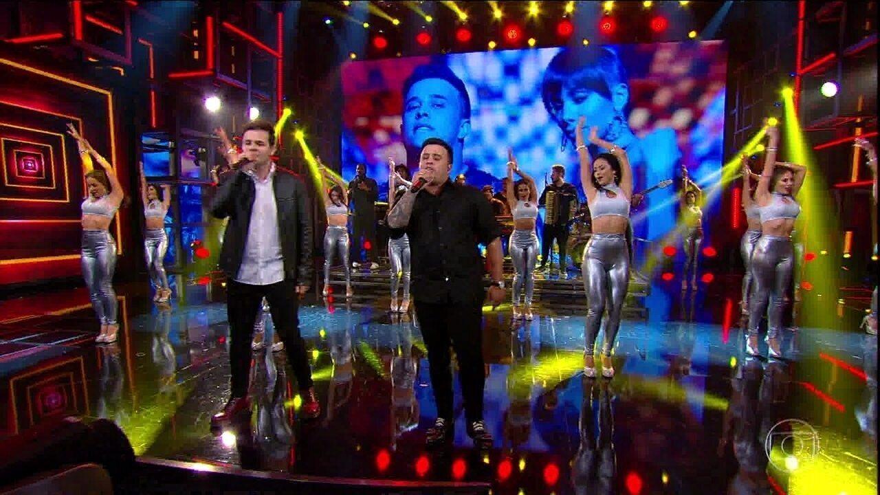 Matheus e Kauan cantam 'Ao Vivo e a Cores'