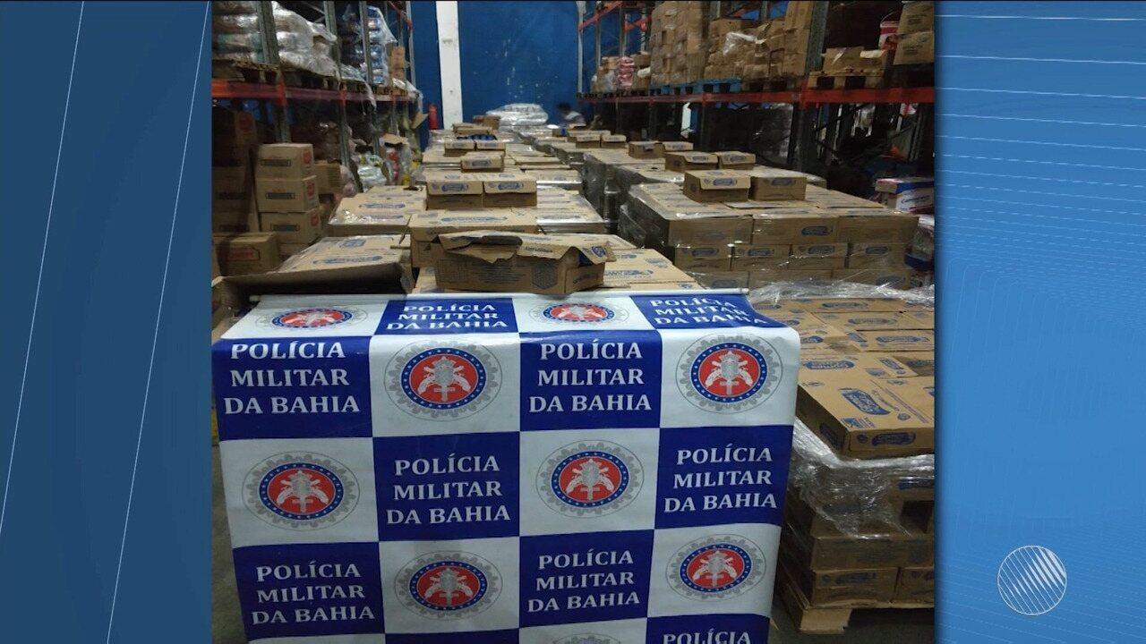 Polícia recupera cerca de 2 mil caixas roubadas de sardinha em Paulo Afonso
