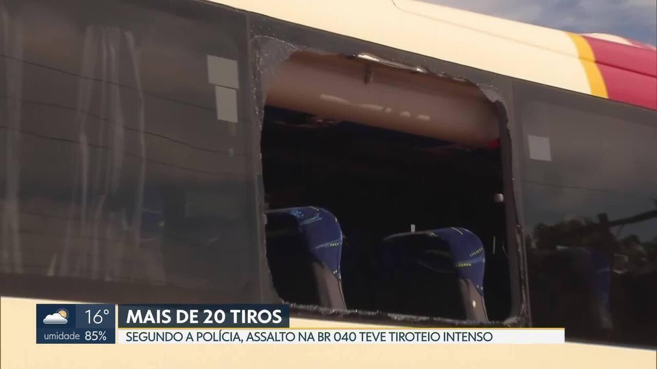 Tiroteio mata policial dentro de ônibus na BR-040