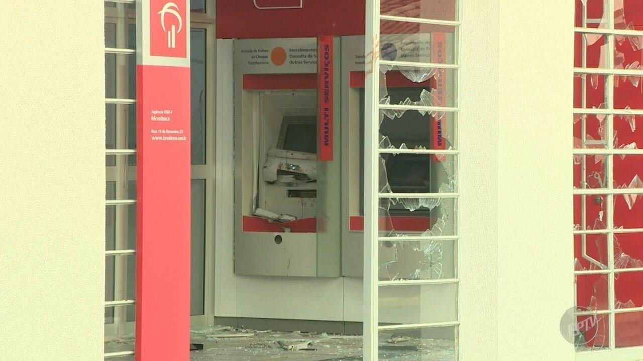 Grupo explode caixa eletrônico em tentativa de furto a banco em Mombuca