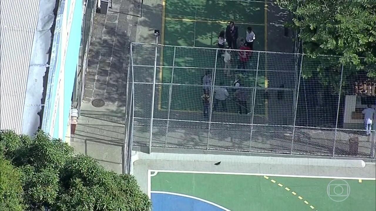 Polícia Civil do Rio faz reconstituição do caso do bebê baleado num colégio