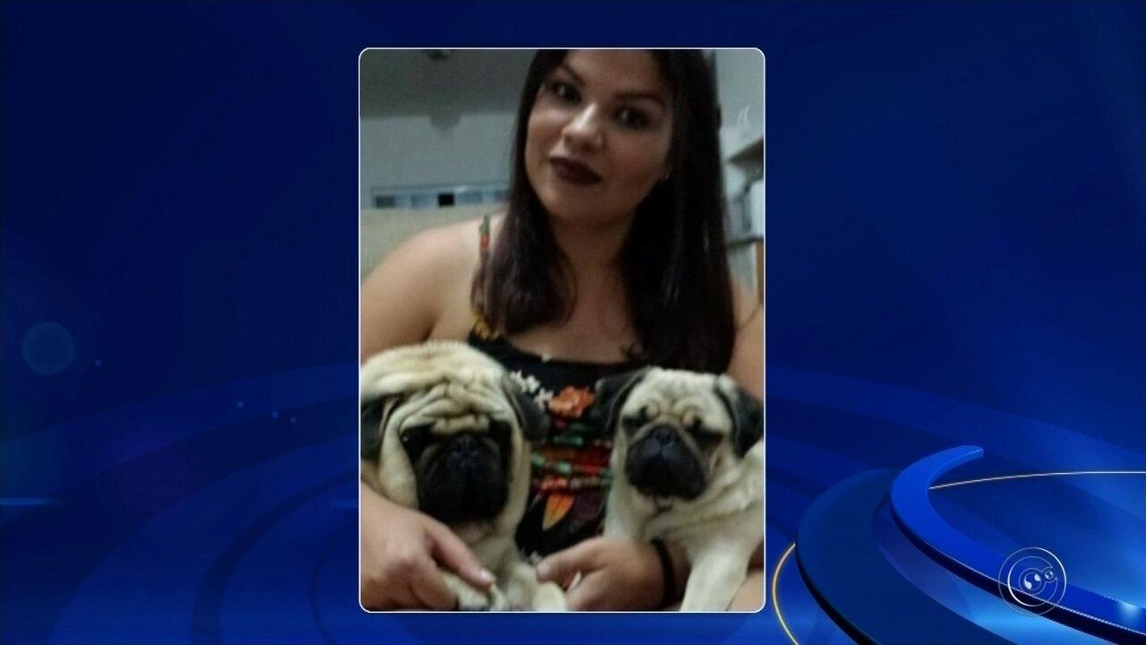 Patrícia Silva com Prince e Pandora, desaparecidos desde o último dia 20 de abril: