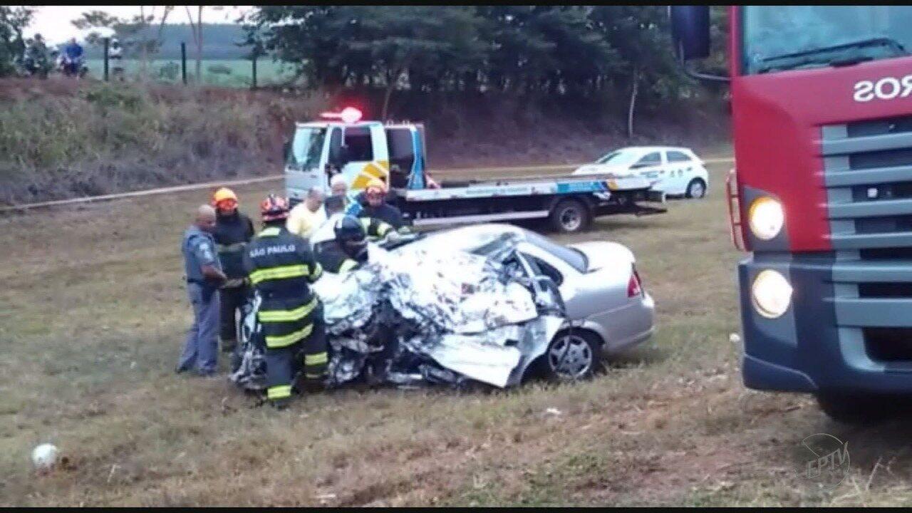 Motorista morre ao após bater em caminhão na Rodovia Cunha Bueno