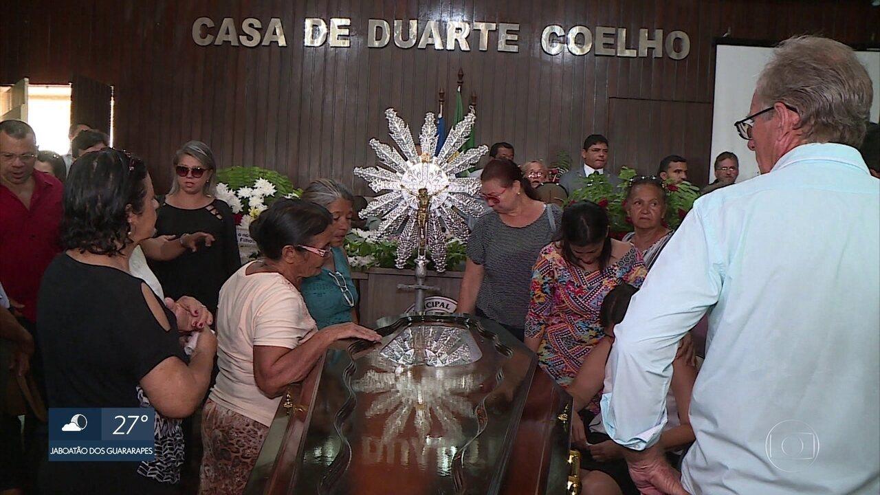 Vereador assassinado após ser sequestrado é enterrado em Igarassu