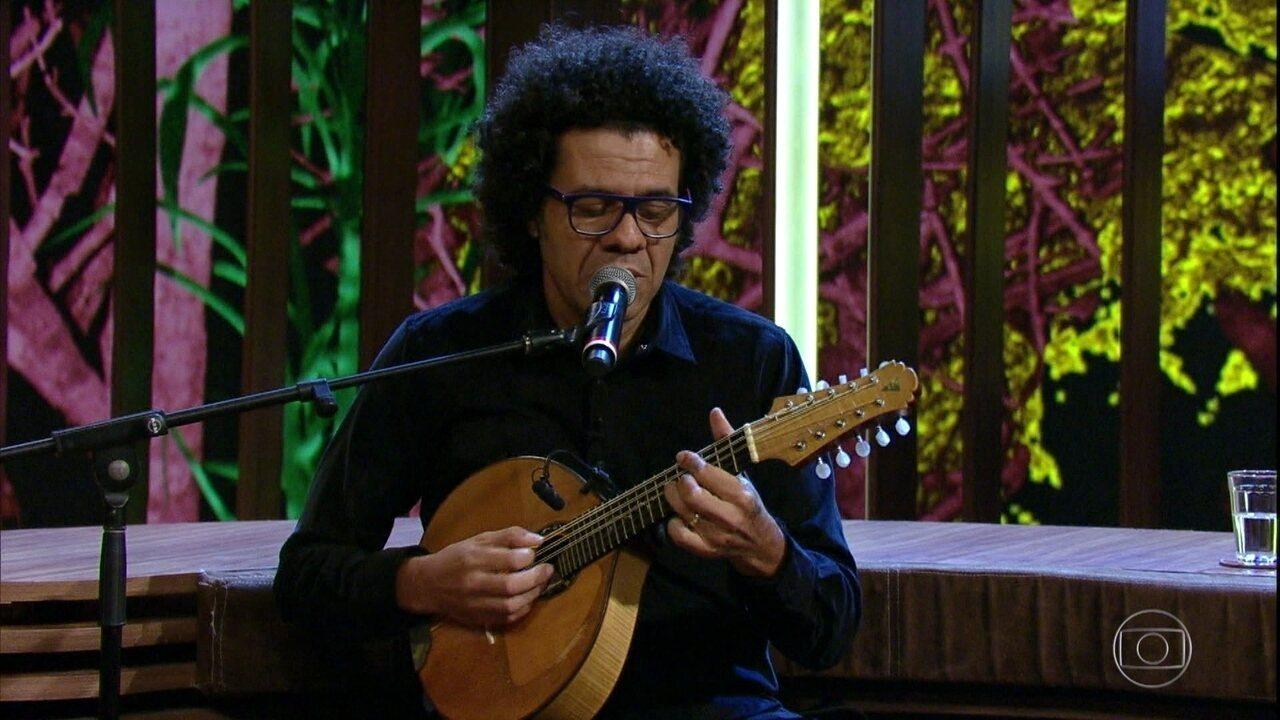 Hamilton de Holanda afirma que a voz é o primeiro instrumento