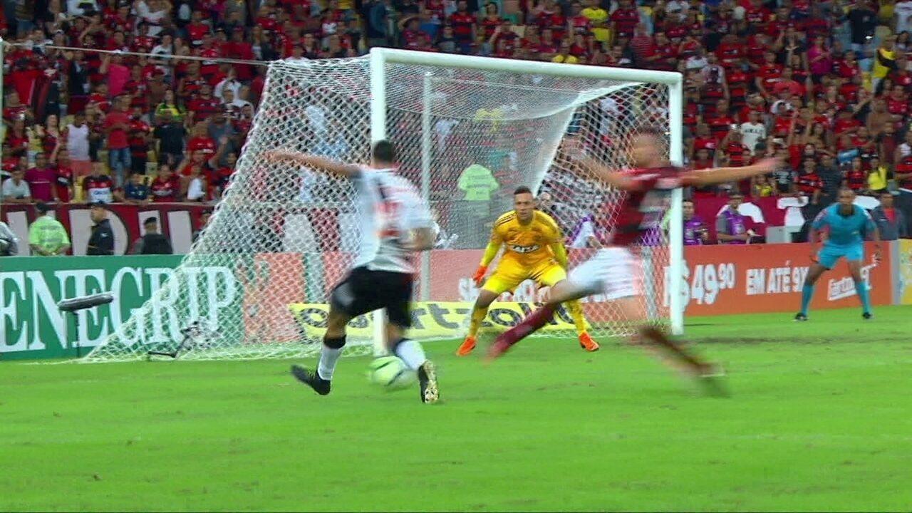 Melhores momentos  Flamengo 1 x 1 Vasco pela 6ª rodada do Brasileirão 2018 db3ecbfd47bcf