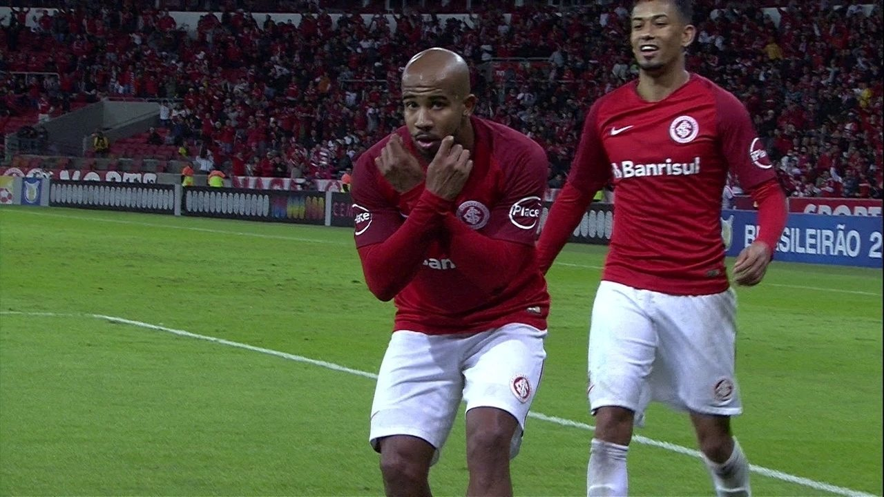 Patrick marcou o terceiro gol da vitória do Inter sobre a Chapecoense