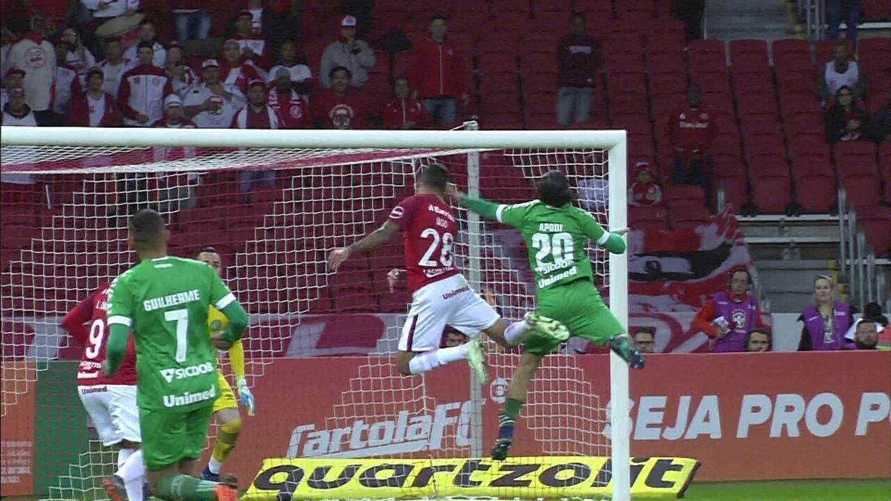 Melhores momentos: Internacional 3 x 0 Chapecoense pela 6ª rodada do Brasileirão