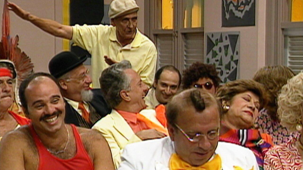Escolinha do Professor Raimundo - Episódio de 23/01/1992 - Flora ajuda os colegas nos estudos, é aniversário de Sandoval Quaresma, Cacilda fala de cobras, e Bertoldo Brecha vira caçador.