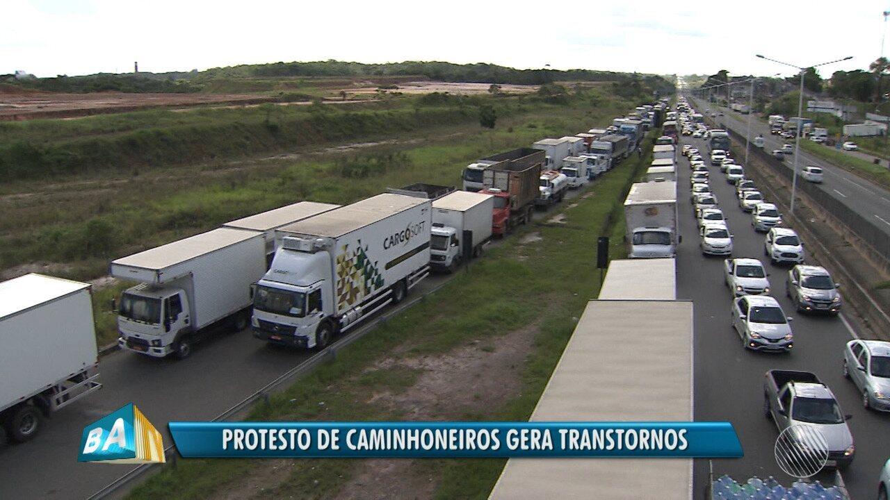 Protesto de caminhoneiros provoca escassez de combustíveis em postos de toda Bahia