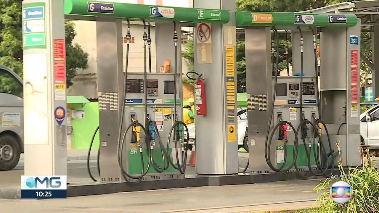 Motoristas passam horas na fila de postos em BH, e combustível é racionado