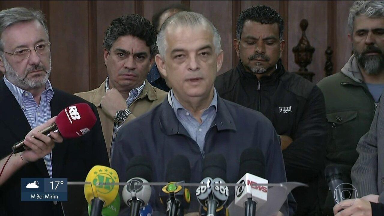 Governador fecha acordo com caminhoneiros autônomos para liberar rodovias estaduais