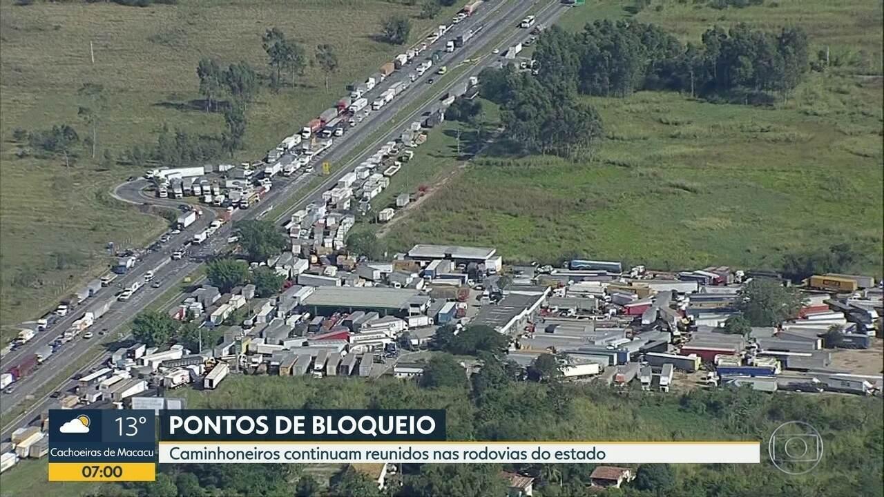 Estradas do Rio têm 24 pontos de bloqueio