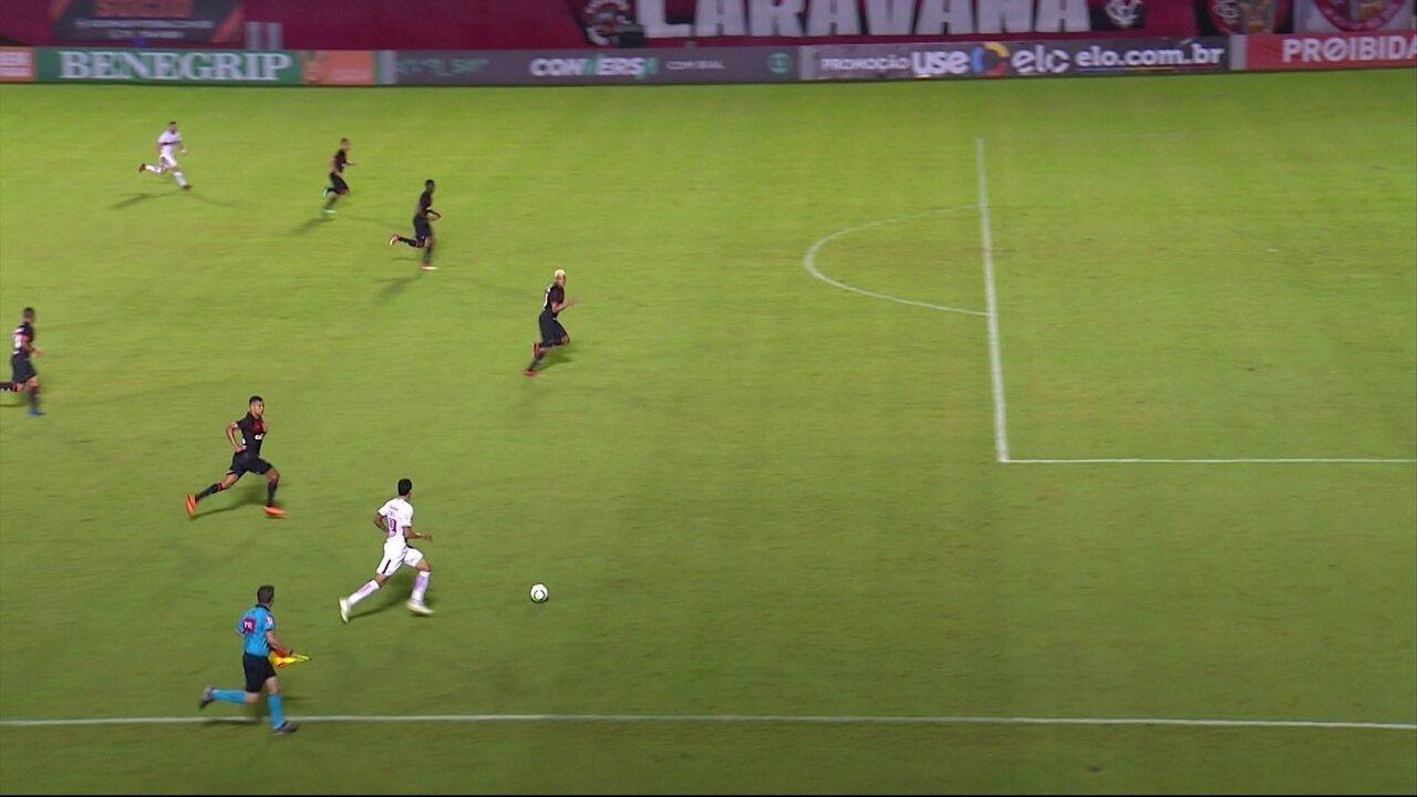d5e15bcc16 Melhores momentos  Vitória 2 x 3 Internacional pela 8ª rodada do  Brasileirão 2018