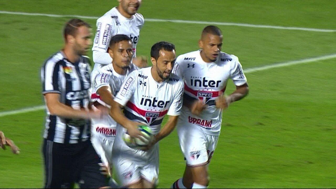 Melhores momentos: São Paulo 3 x 2 Botafogo pela 8ª rodada do Campeonato Brasileiro