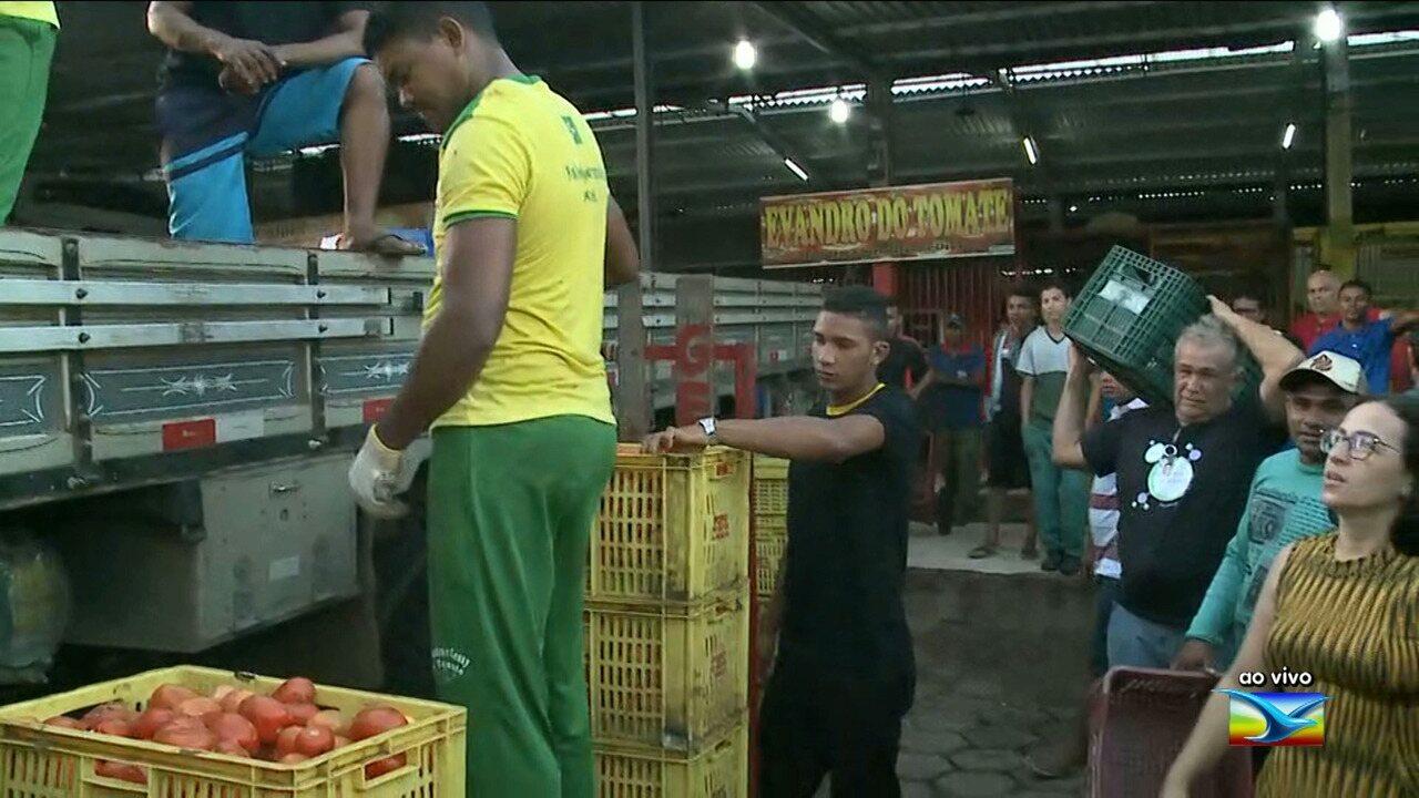 Veja o abastecimento de produtos na Ceasa em São Luís