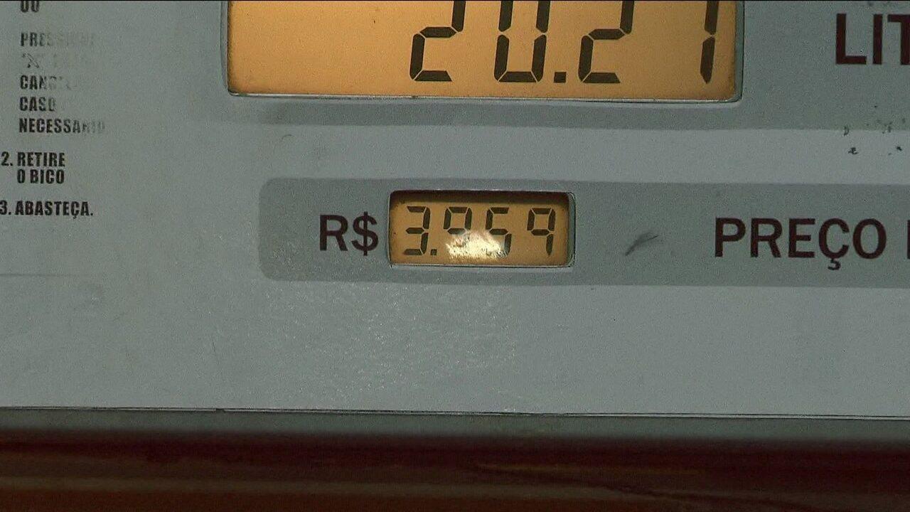 Postos começam a diminuir preço do diesel na bomba
