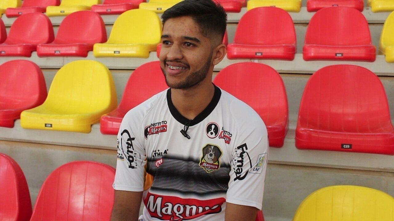 Do não ao futebol do Corinthians ao peso de suceder Falcão: as crônicas de Lino