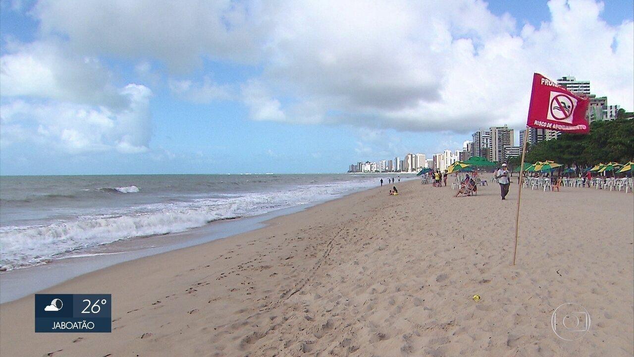 Vítima de ataque de tubarão foi alertada por Bombeiros do perigo, dizem testemunhas