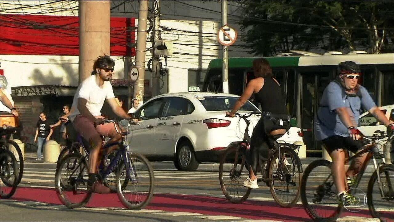 Ampliação do uso de bikes geraria R$ 870 milhões a mais na economia de SP, diz estudo
