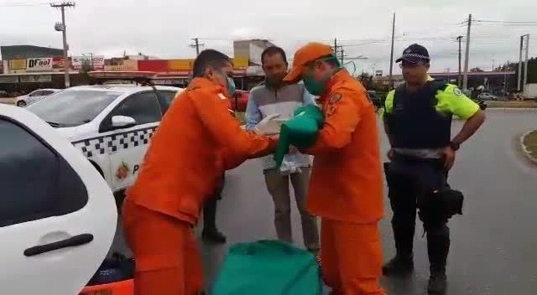 Bombeiros fazem parto de mulher dentro de carro no Recanto das Emas, região do DF